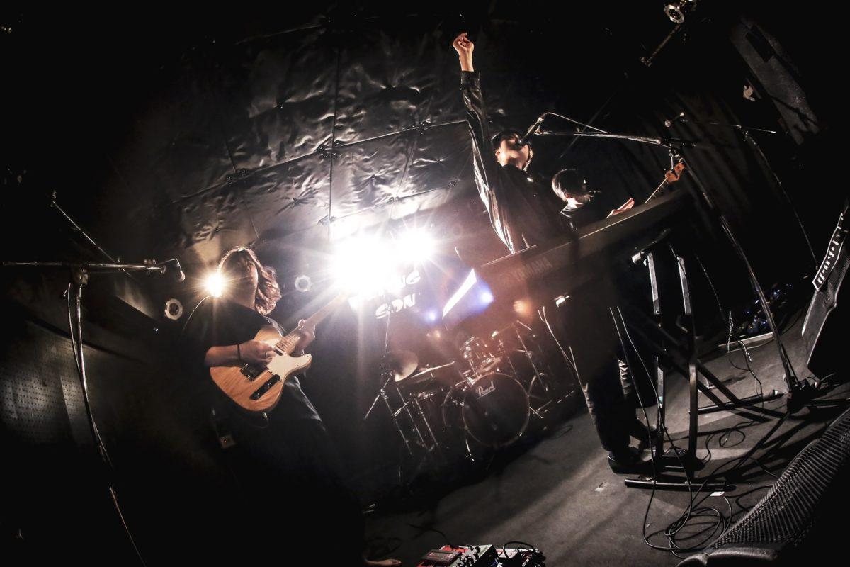 chelovek.フルアルバム「I & i」発売と全国ツアー